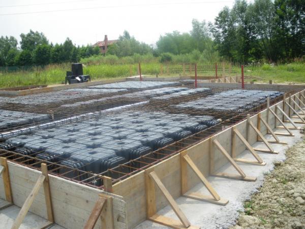 La platea quasi completa la casa ecologica for Fondazioni per case in legno